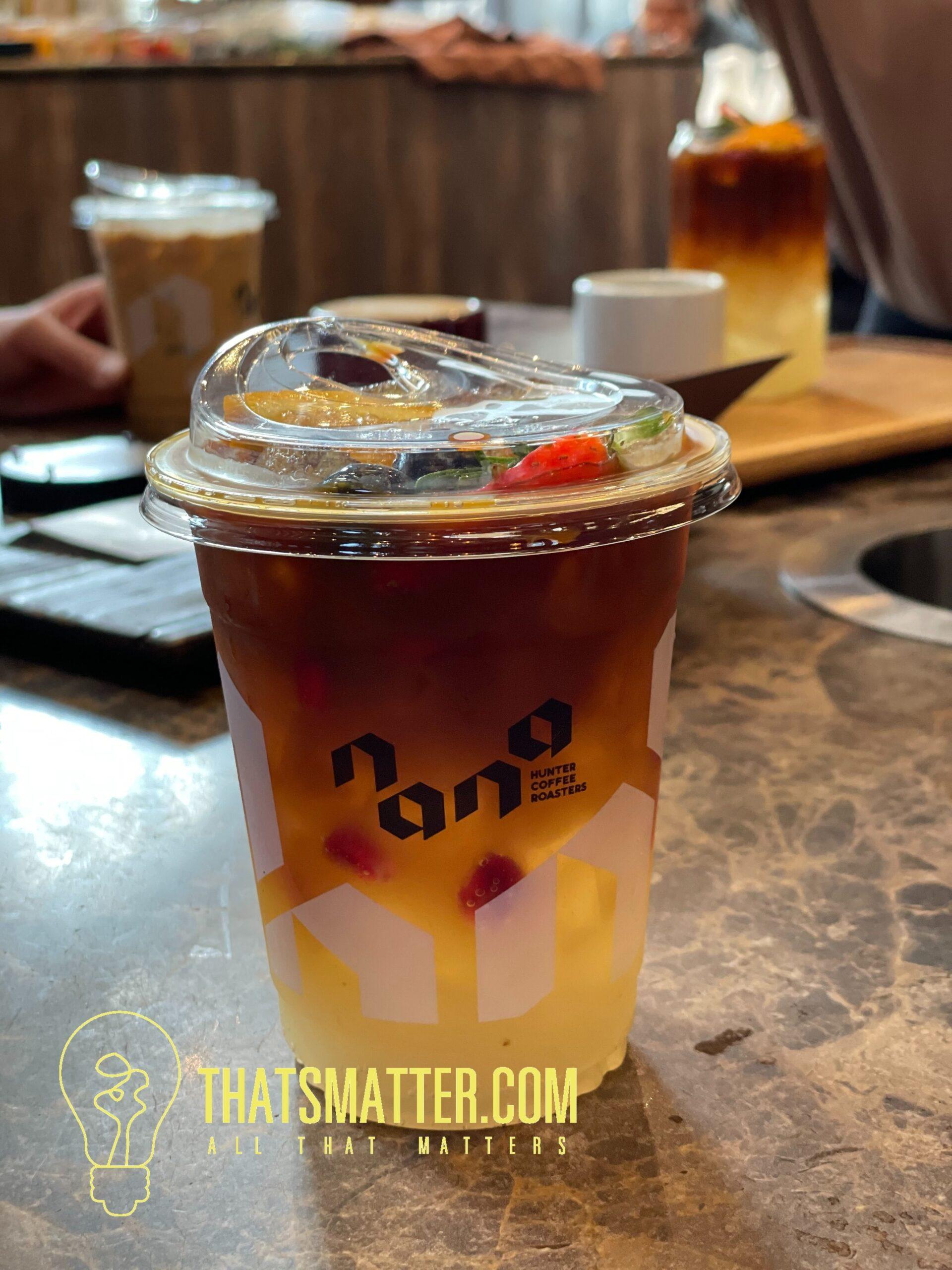 espresso shot ราดบนน้ำส้มยูซุกับโซดา
