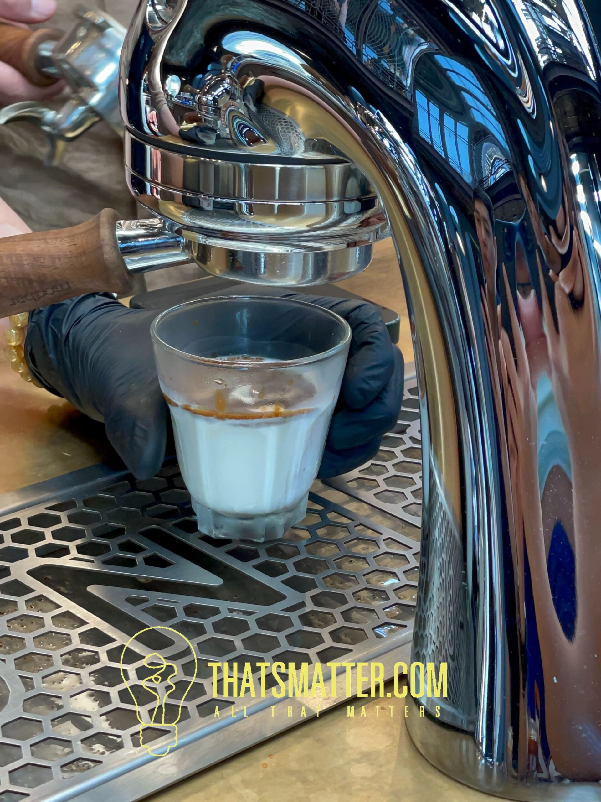 NANA Hunter Coffee Roasters กาแฟ dirty