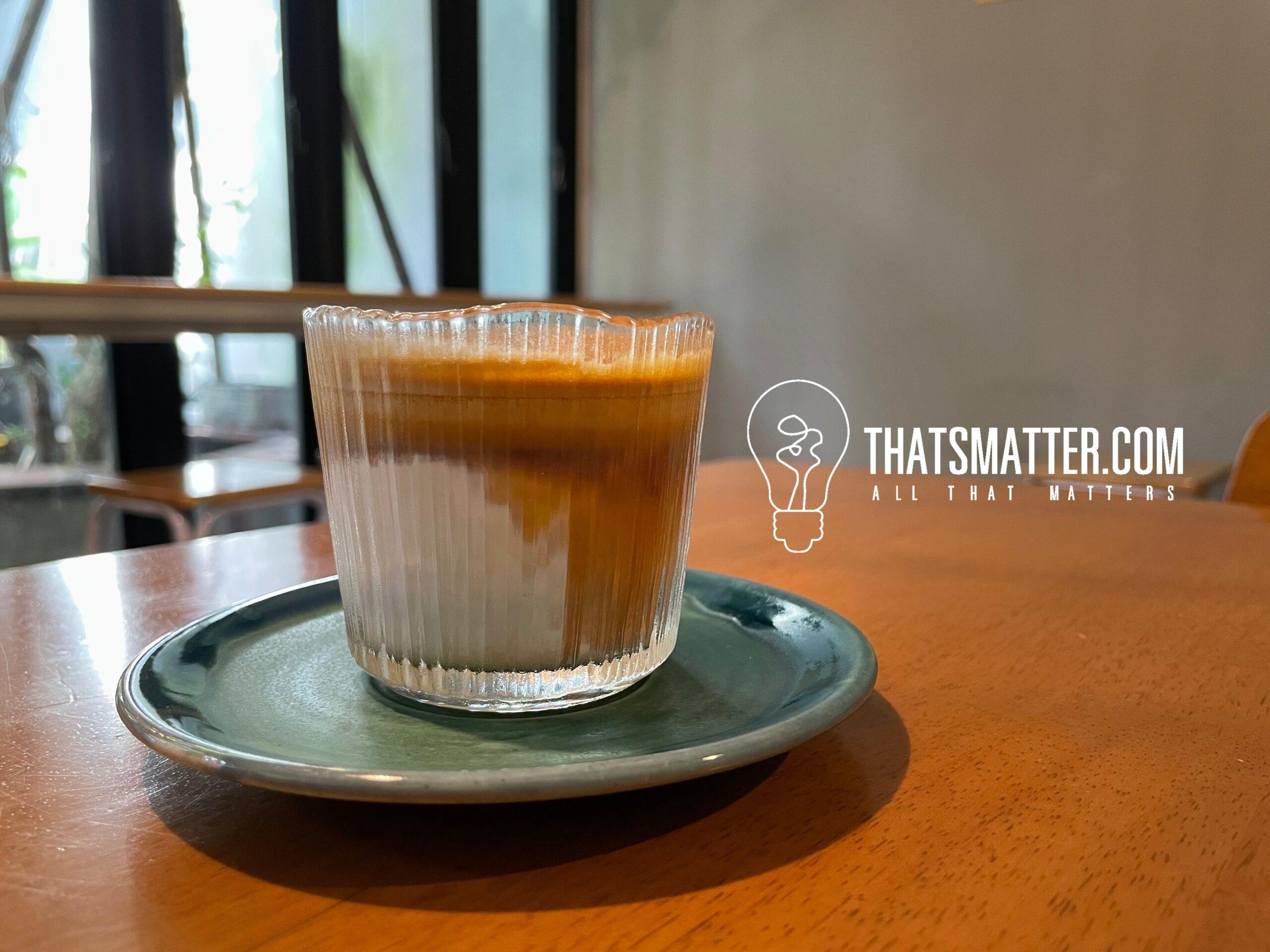 Heart Made Coffee And Eatery เมนู dirty coffee