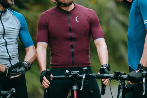 เสื้อ ปั่นจักรยาน