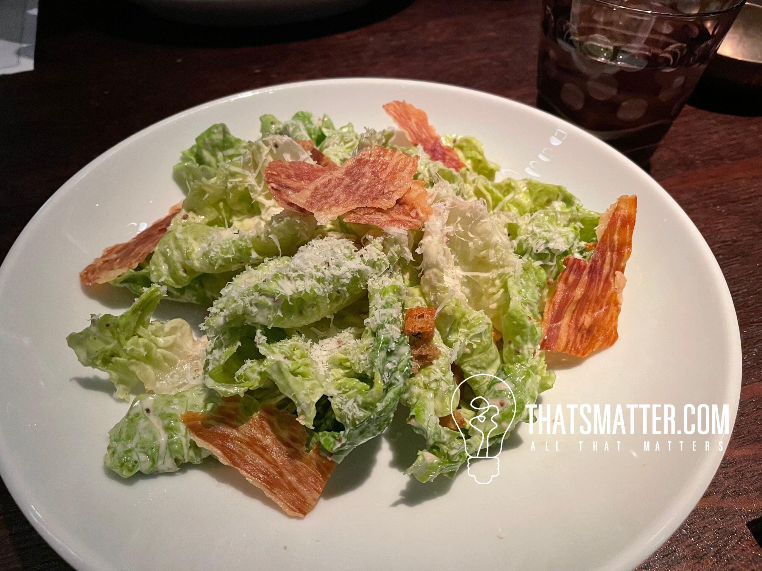 เพนท์เฮ้าส์ บาร์ แอนด์ กริลล์ Ceasar Salad (500 บาท)