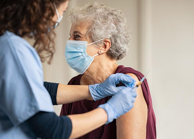 หน้ากากอนามัยหลังจากฉีดวัคซีน