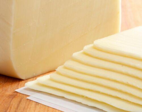 ชีสมอสซาเรล่า (Mozzarella Cheese)