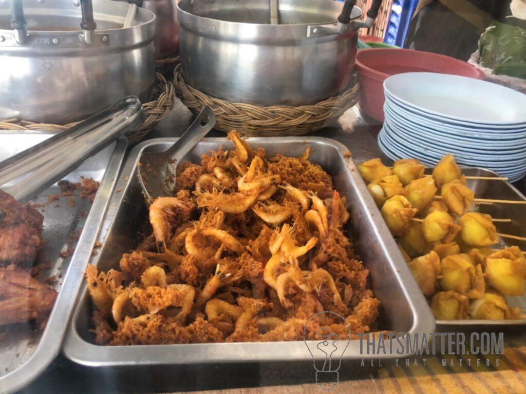 ร้านขนมจีน ในหาดใหญ่ คลองเตย กุ้งทอด